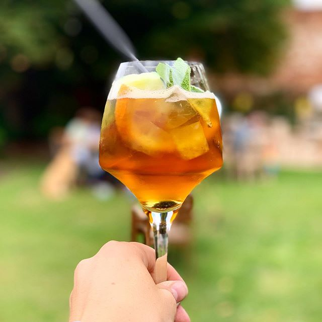 PARTY TIME. Our restaurant is closed tonight whilst we host a big party for one of our regulars. Don't worry - the bar is open as usual! . . . #pub #rattlesden #gastropub #suffolk #local #summer #pimms #party #to #instaparty #luxury