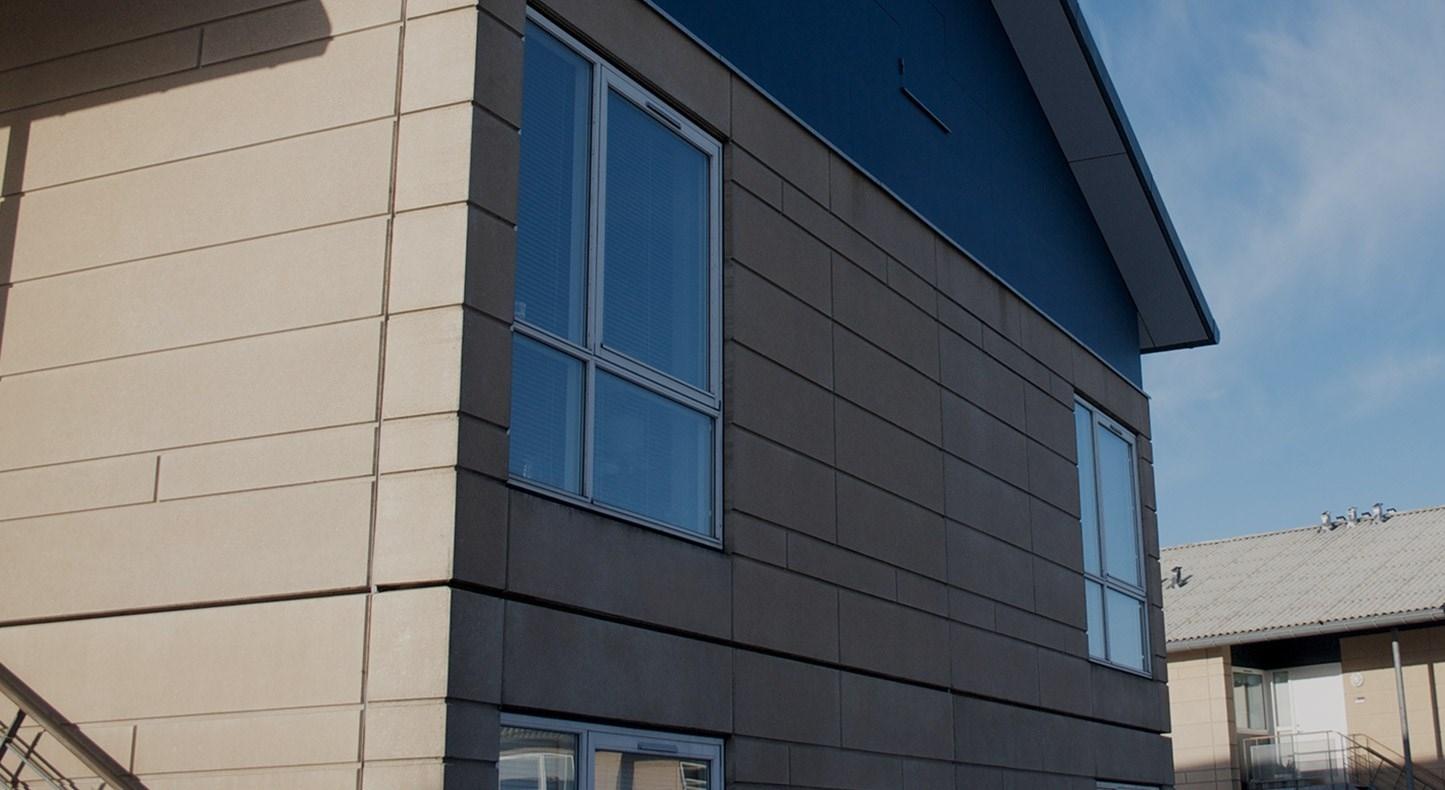 ENGBUEN 2 - 86, ALLERØD - Bygherre: Boligkontoret DanmarkEntrepriseform: HovedentrepriseProjekttype: Renovering af lejligheder samt udvendige vinduer