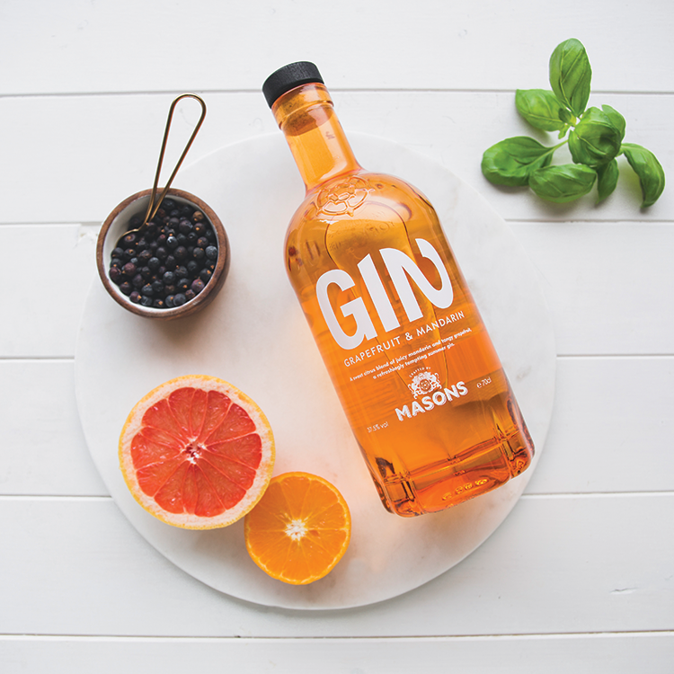 GRAPEFRUIT & MANDARIN - Distilled with fresh mandarin, this gin delivers a complex juniper led, grapefruit citrus flavour. Accentuated by hints of spice from cassia, light floral coriander, finished with sweet mandarin.Best served with a premium tonic, plenty of ice and garnished with a wedge of grapefruit.