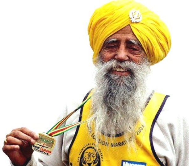 You're never too old to start running...⠀ ⠀ Fauja Singh, known as the Turbaned Tornado, is the oldest person to run a marathon. He ran his first marathon at 89, and in 2012, at age 101, completed the London Marathon in 7:49:21 🙌⠀ ⠀ #brisbanerunning #runbrisbane #brisbanerunner #brisbanerunners #brisbanetrailrunners #brisbanefitness #brisbanesport #brisbanebusiness #brisbanetrailrunner #brisbanelife #ilovebrisbane #parkrunau #goldcoastmarathon #bridgetobrisbane #noosatriatholon #triathlonaustralia #brisbanemarathon #runaustralia #gorunaustralia #runningmumsaustralia #womensrunningaustralia #australianrunningfestival #athleticsaustralia #australianinstarunners #brisbane #brisbanecyclist