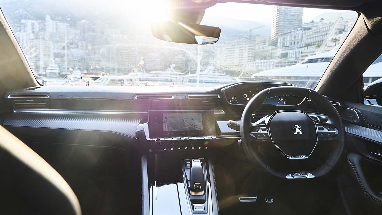 Low-slung dashboard a fresh take on car interiors