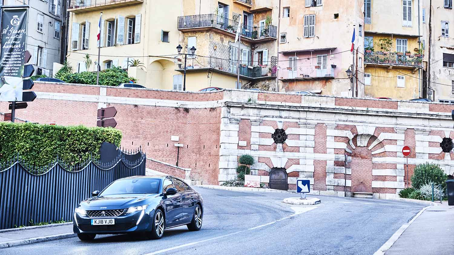 The 508 explores the streets of Grasse
