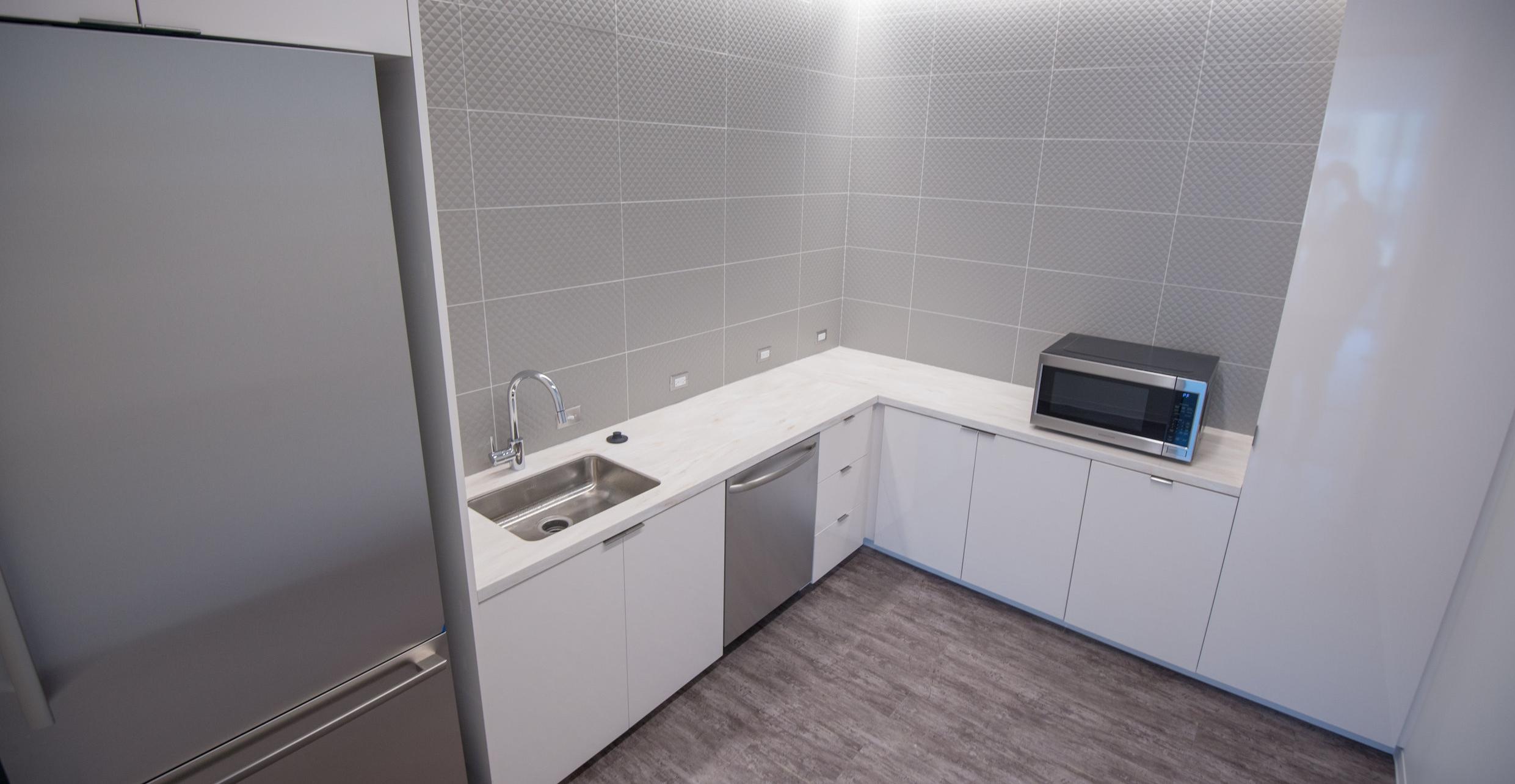 Suite 2 Kitchen.jpg