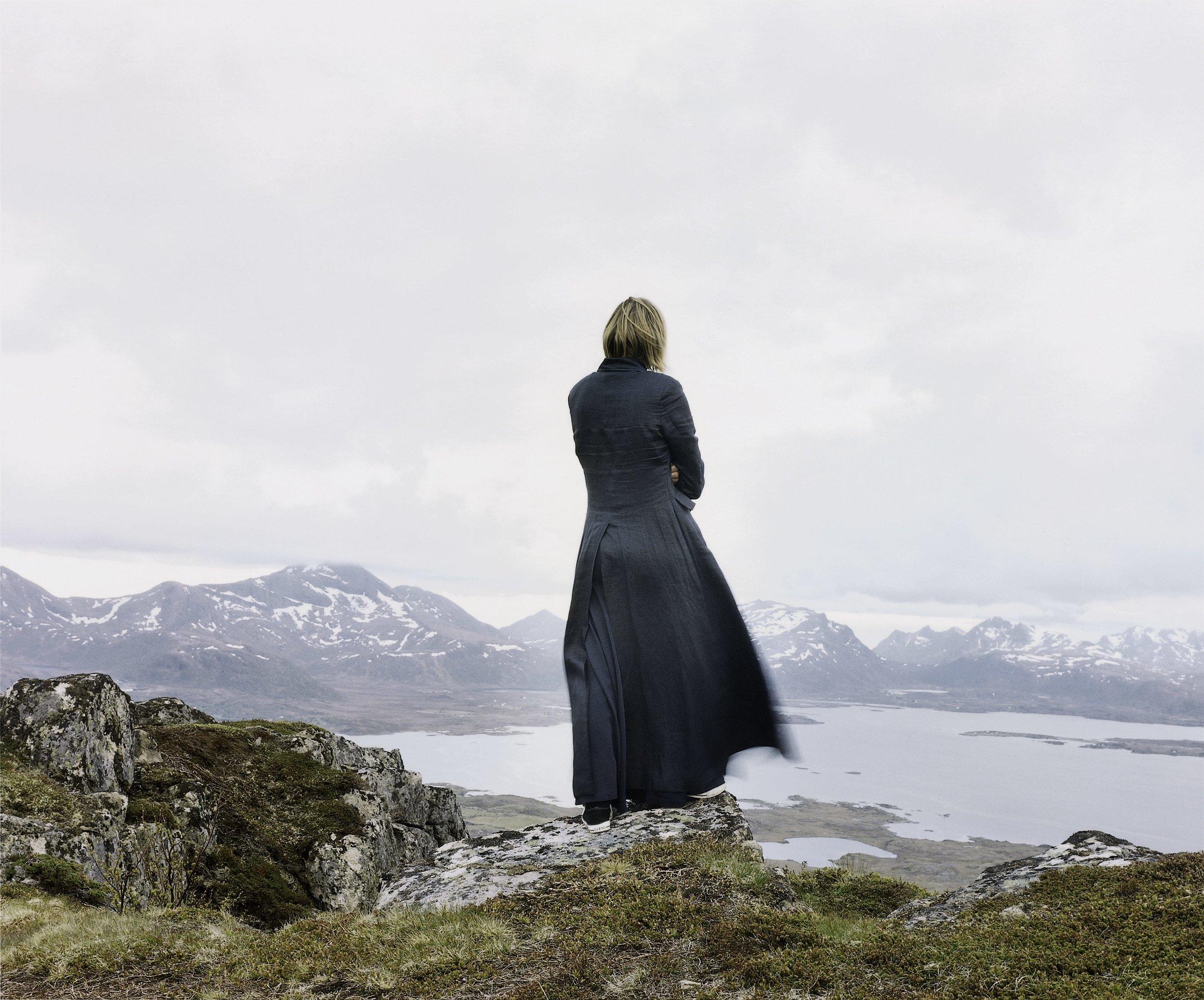 Der Wanderer 2,  Elina Brotherus, 2004