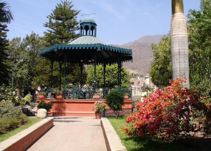A kiosk centers Ajijic's charming plaza