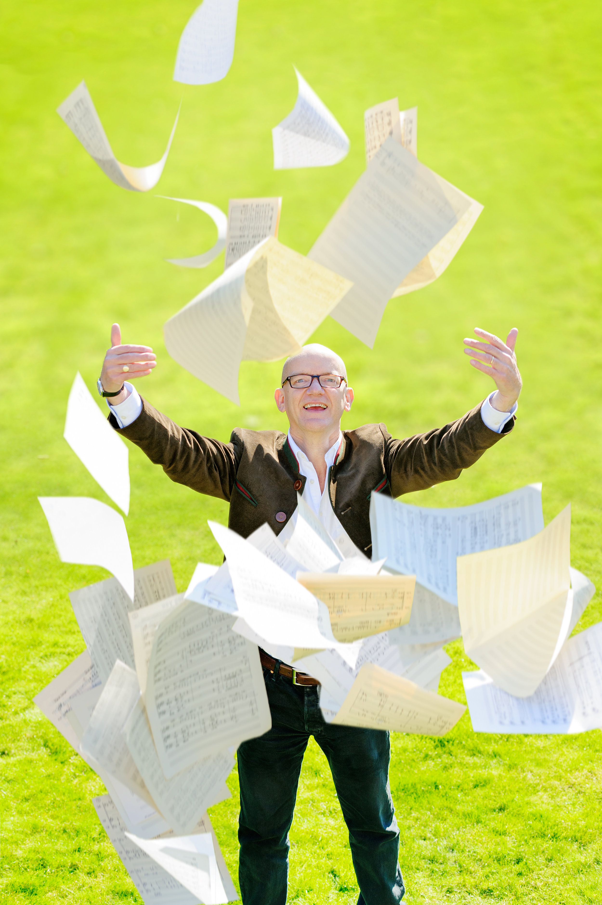 BobChilcott with Papers by John Bellars 4256px.jpg