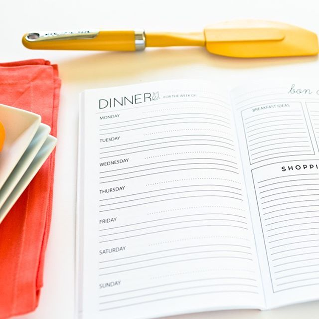 I can use all the help I can get for meal planning!!! Can anyone else relate? 🙋🏼‍♀️ #prettysimplebooks #mealplanning #writeitdownmakeithappen