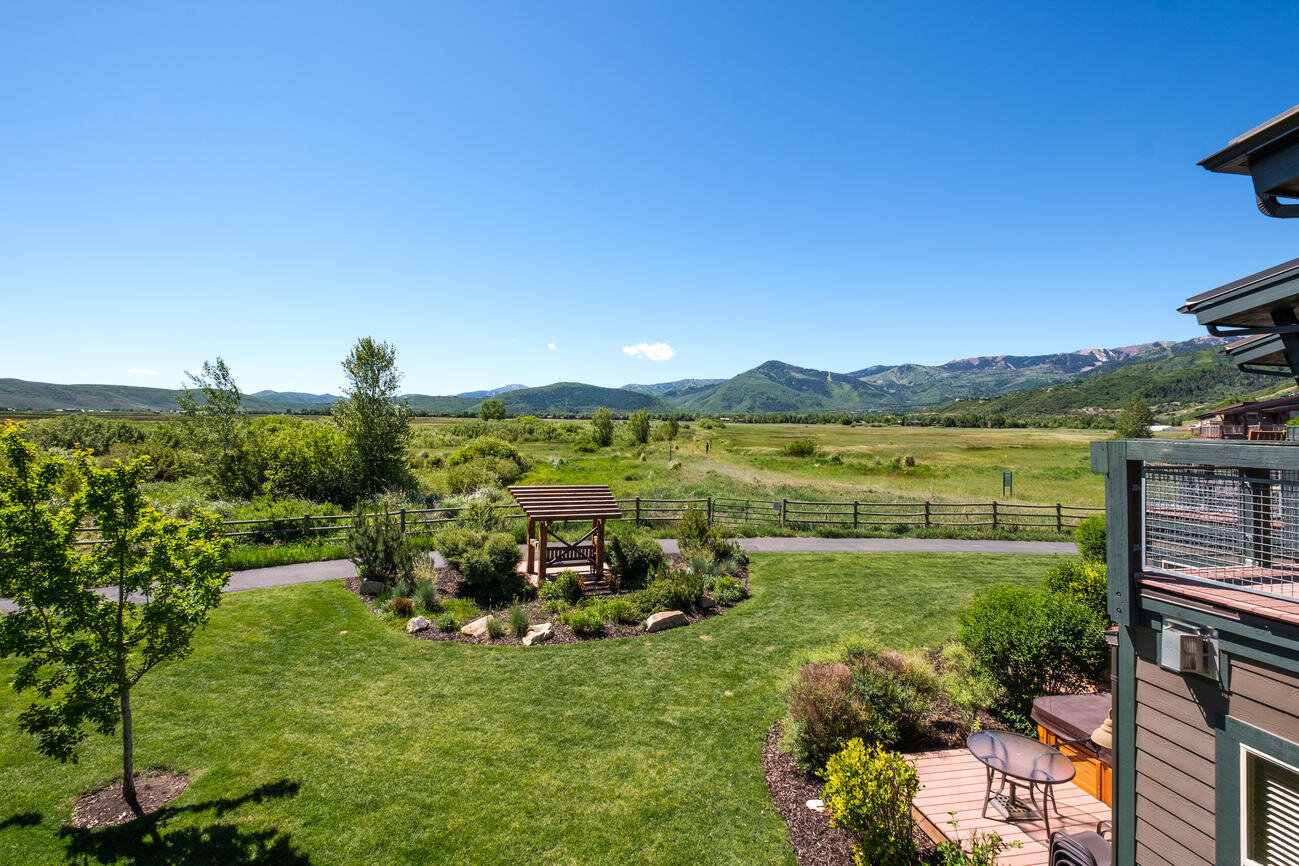 6059 Park Lane S, Park City, UT 84098   Listing curtesy of  Mary Ciminelli  with  Summit Sotheby's International Realty