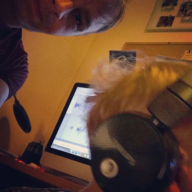 Brother Sibling is trying to edit... 😂 Half-pint has other plans! @ivaenthealien @tartan_rose_writing #podcast #podcasts #podcastlife #podcastlove #podcastaddict #podcasters #podcastersofinstagram #podcasthost #podcaster #podcastshow #podcastnetwork #podcastersofig #thiskid #edit #edits #parenting