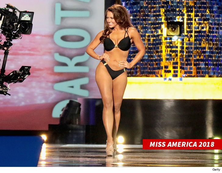 0605-miss-america-2018-swimsuit-getty-4.jpg
