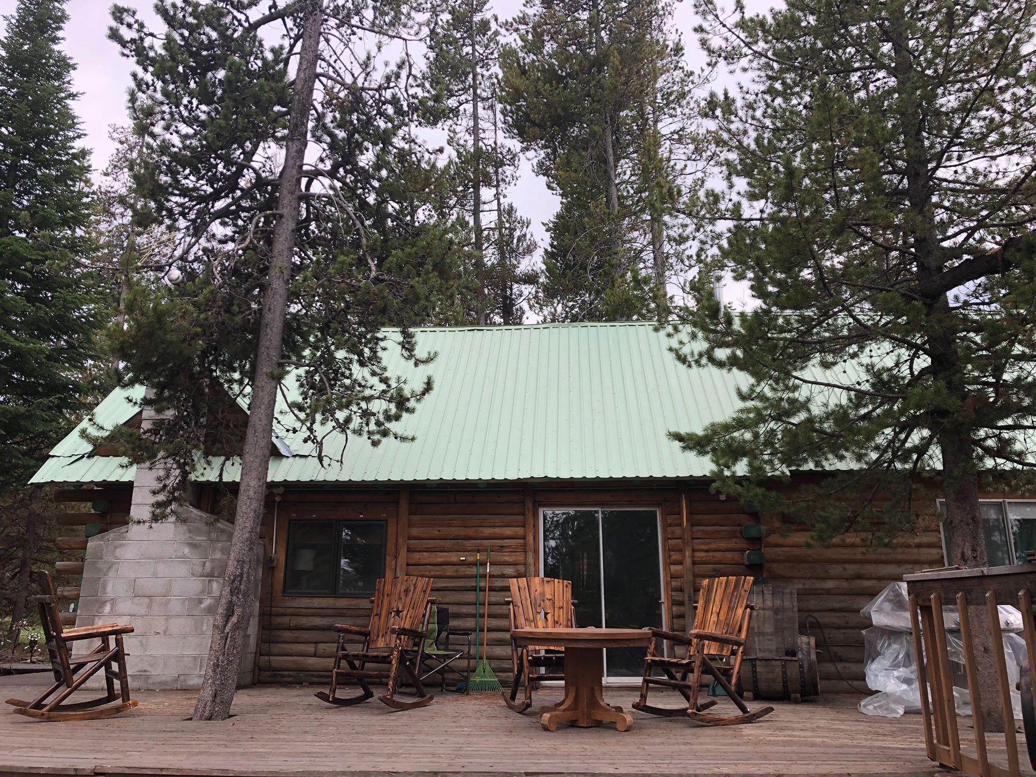 cabin-rental-island-park-idaho-cabin.jpg