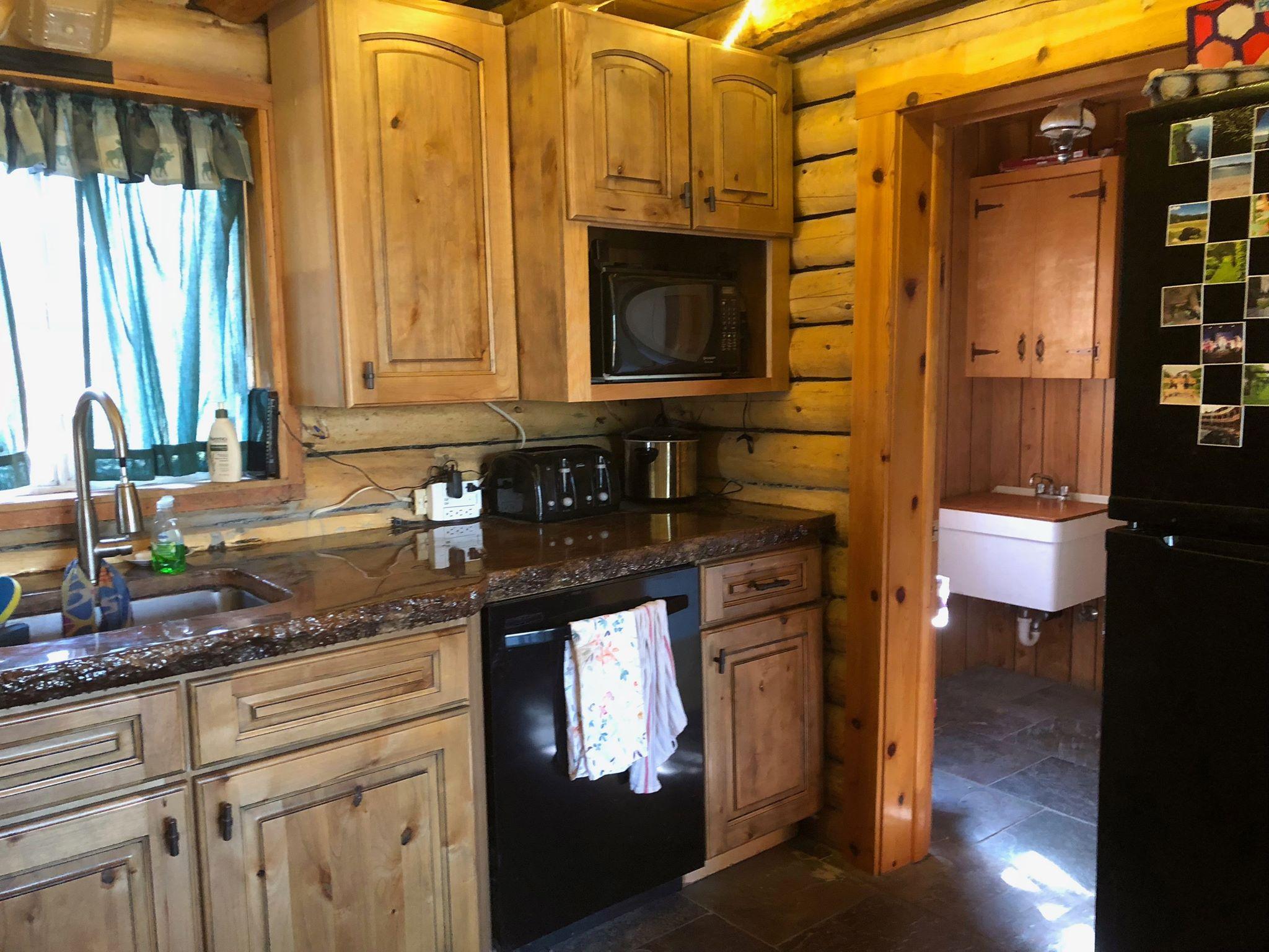 cabin-rental-island-park-idaho-yellowstone-.jpg