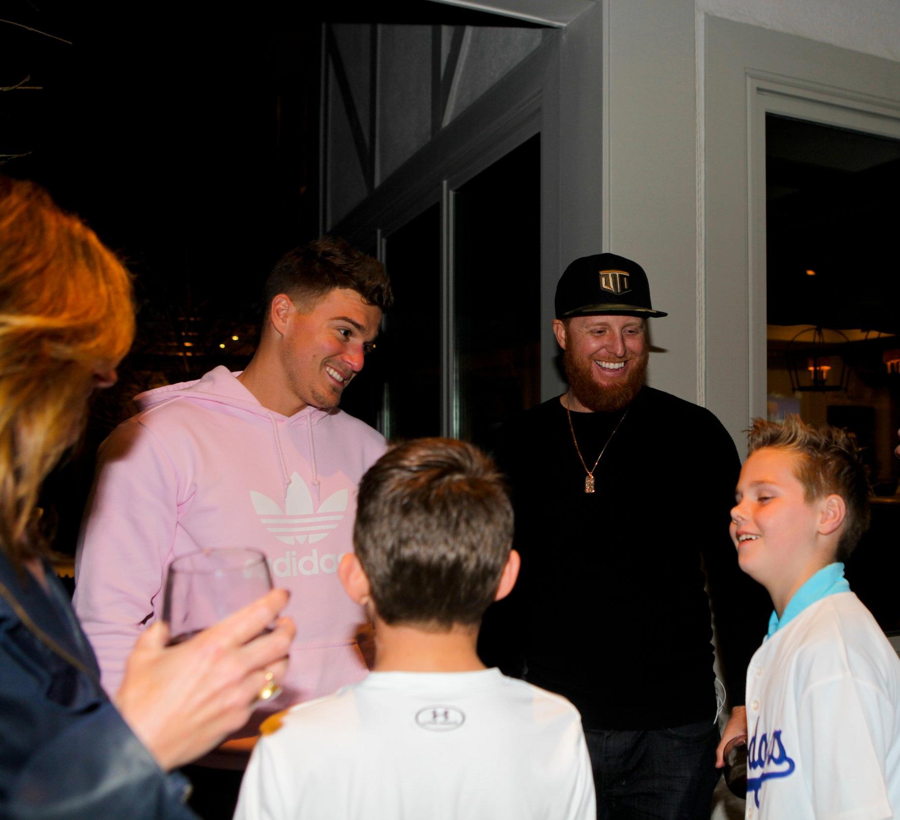 Kike Hernandez, Justin Turner & two kids who look up to them like heroes.