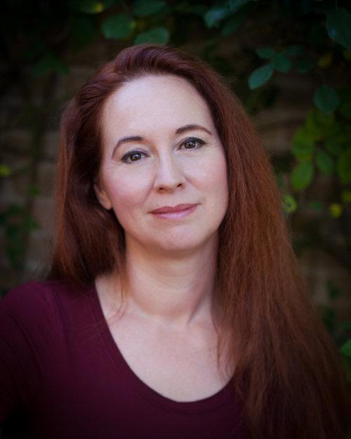 Jennifer Rose Davis Headshot.jpg