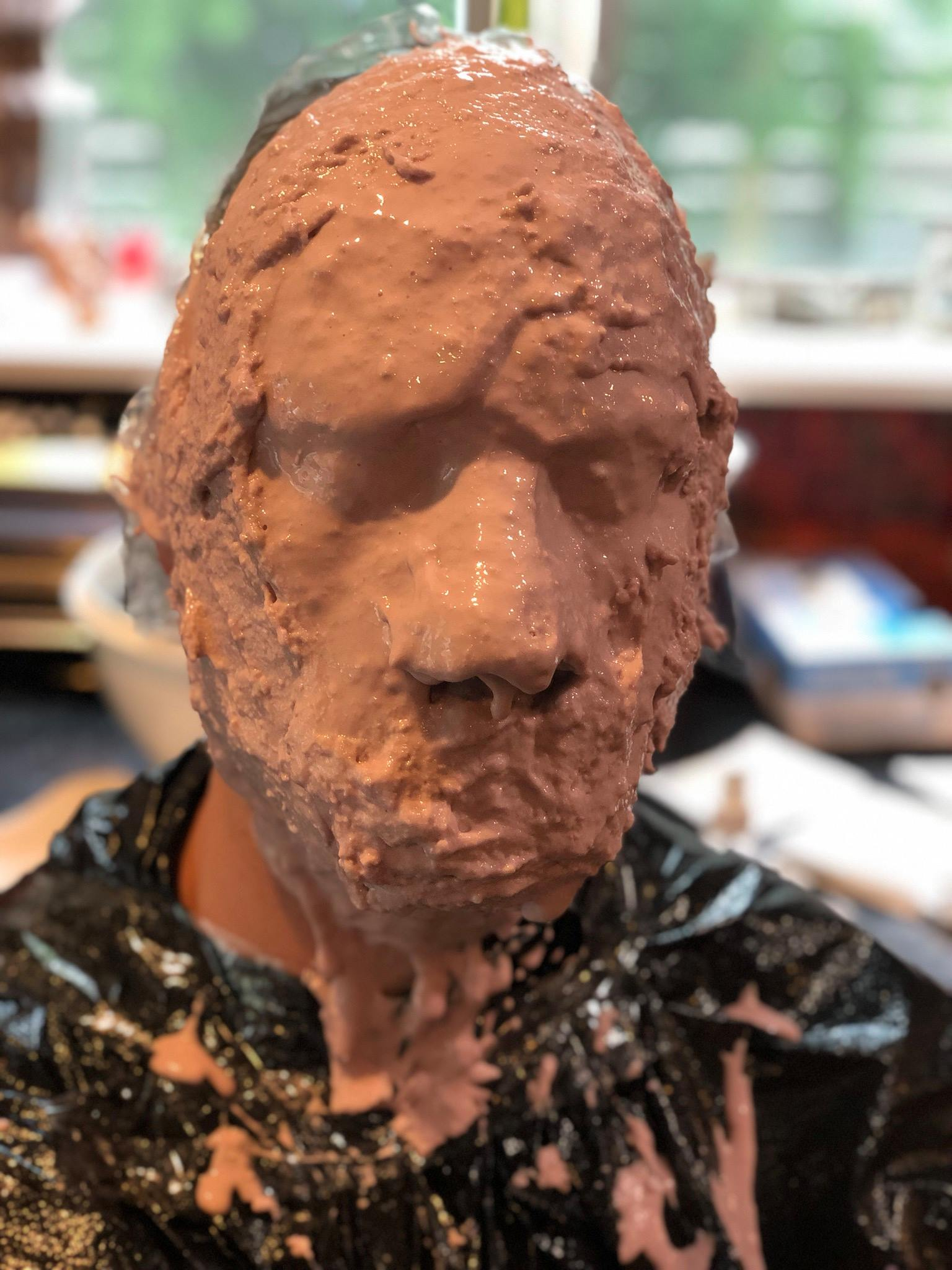 The Alginate mold setting up.
