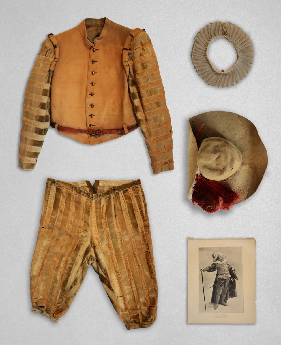 Cyrano Costume.png