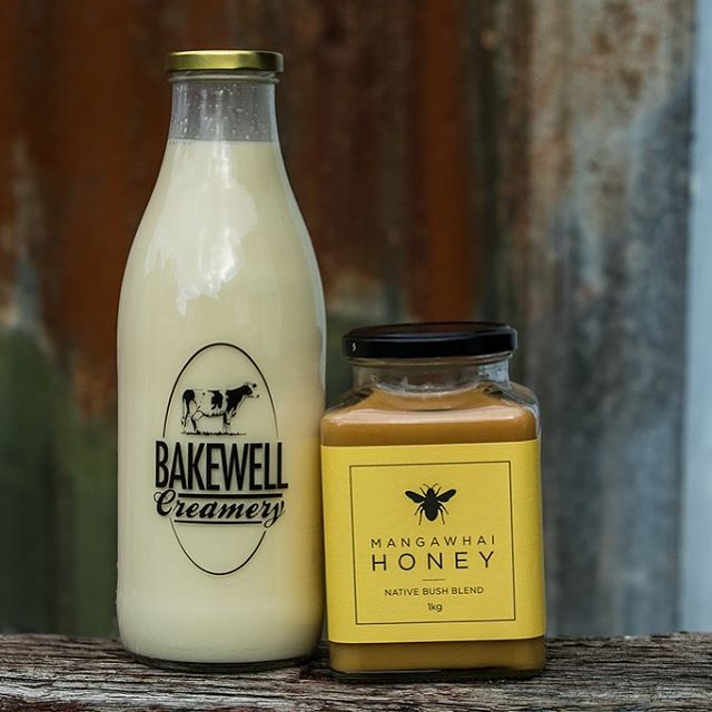 ~GIVEAWAY~  To celebrate the collaboration with @bakewellcreamery We are giving away 1L of raw milk and a jar of honey delivered to your door every week for a month.  To enter:  Tag 3 friends,  Follow @bakewellcreamery And @mangawhaihoney  Like this post.  Good luck!
