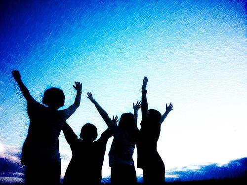 osho pic 4 kids worshiping tonya 11610.jpg