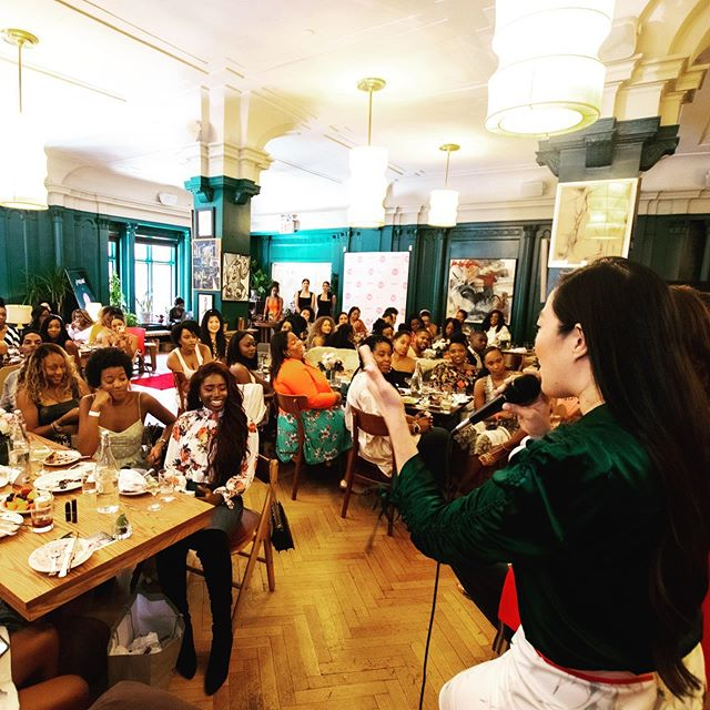 #Sunday was nothing short of incredible!!! We celebrated our 1 year anniversary with 100+ AMAZING women of color in the #fashion, #tech, #media and #PR space in an effort to create communities that will build wealth, influence and access for years to come. We cannot believe how incredibly supportive each and every one of you have been - thank you so much for taking this journey with us! Until next time - xoxo WOCFTB ✨ . Special thank you to our sponsors and supoorters @hennessyus @amazonfashion @amazonadvertising @withyoursquad @twocranes @tribe_org @jon_bex and our panelist @angelinahewitt @kimberlyjenkins @lisahellebomoreles @_jessicaveronica and Susun @twocranes ✨🍾