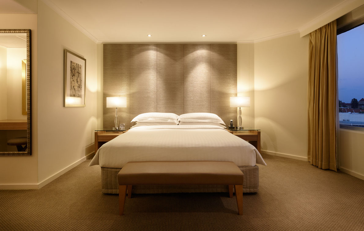 HRP_RegencyExecSuite_Bedroom_FinalSmall.jpg