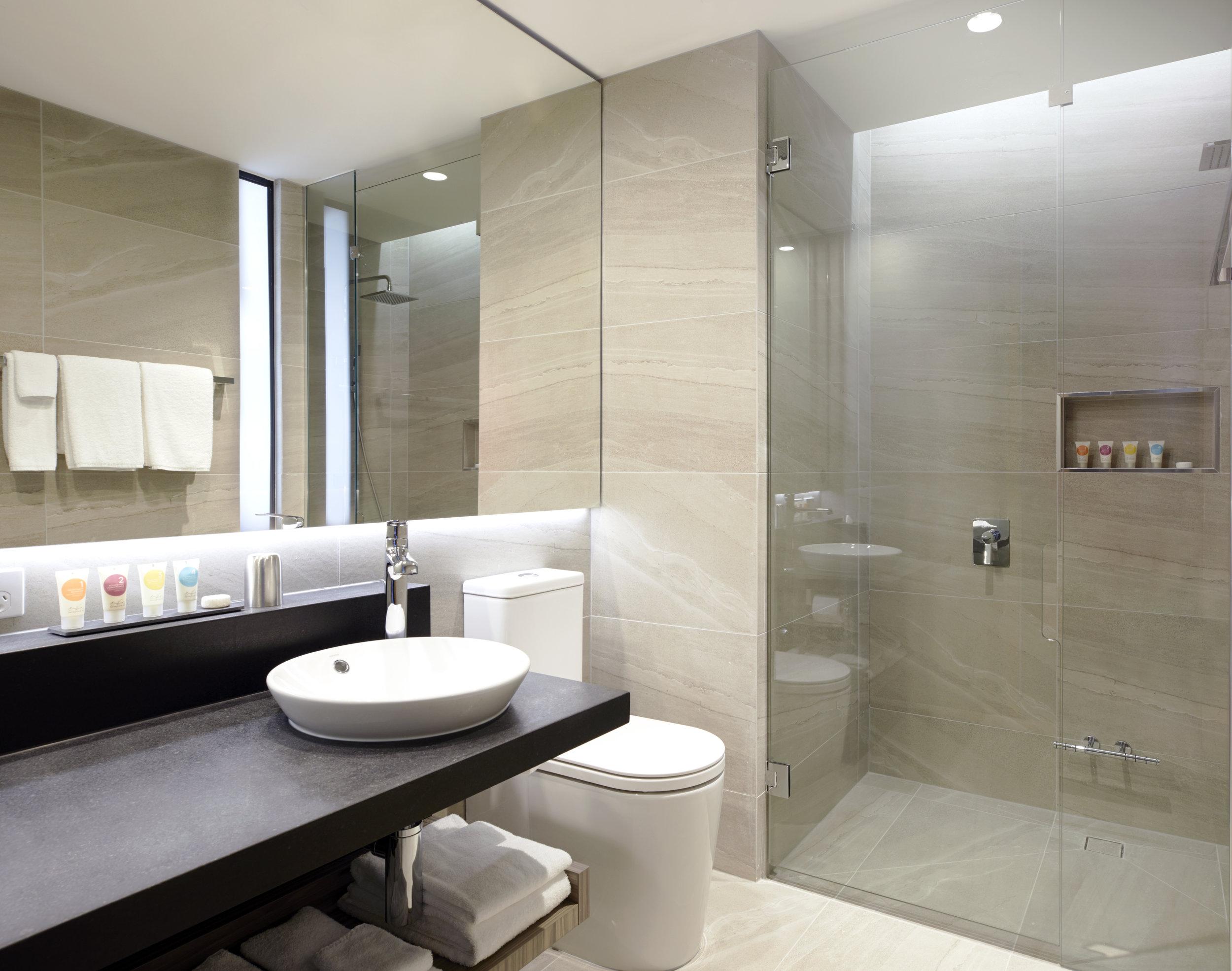 Hyatt Place Melbourne - King Bathroom.jpg