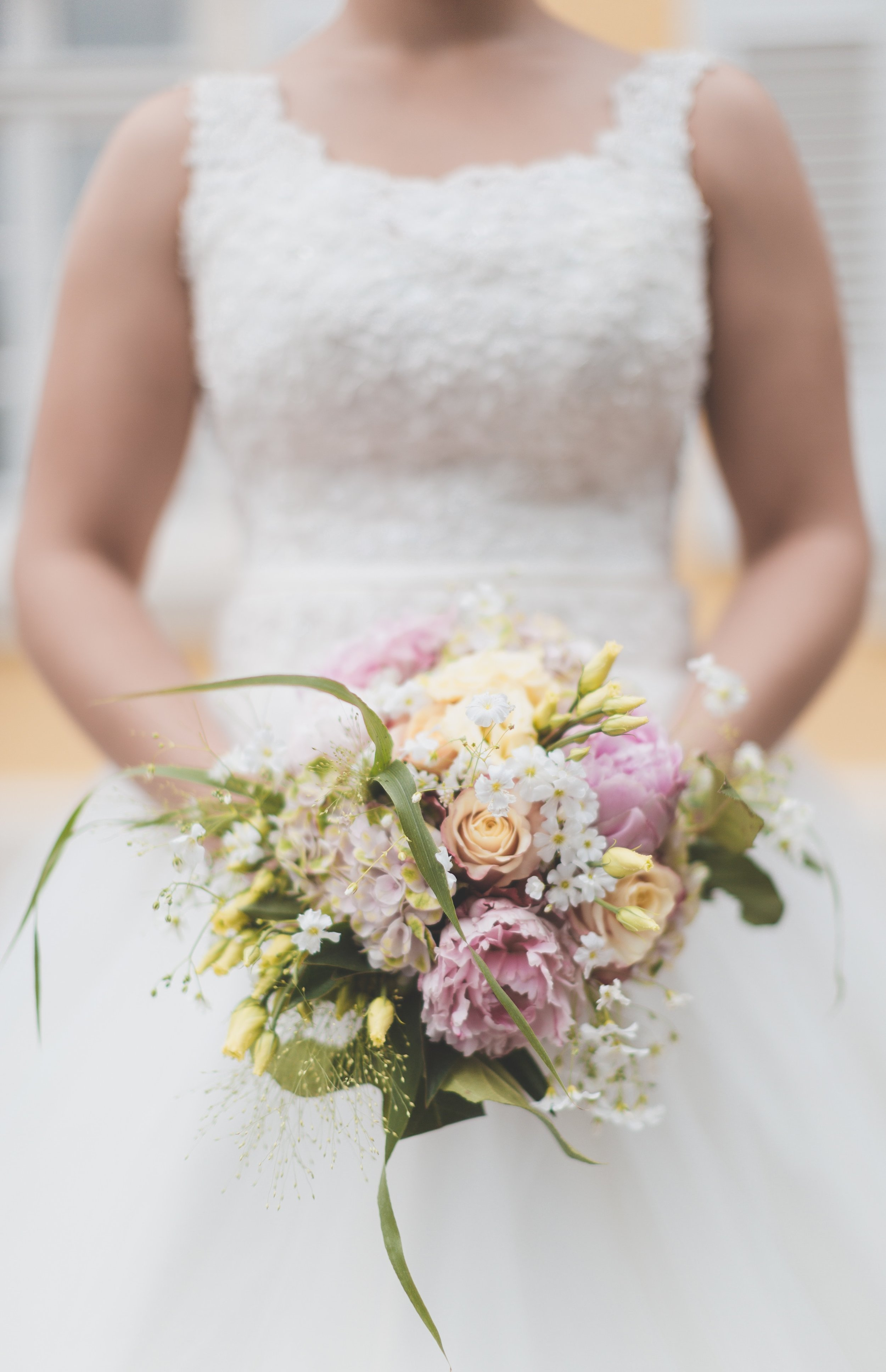 How to Look Your Best in Your Wedding Photos