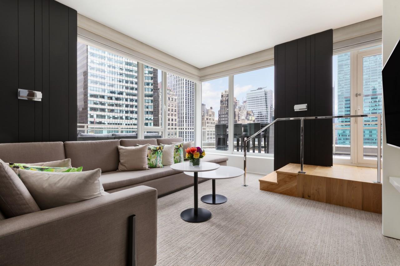 Honeymoon in New York - Andaz 5th Avenue - Lobby.jpg