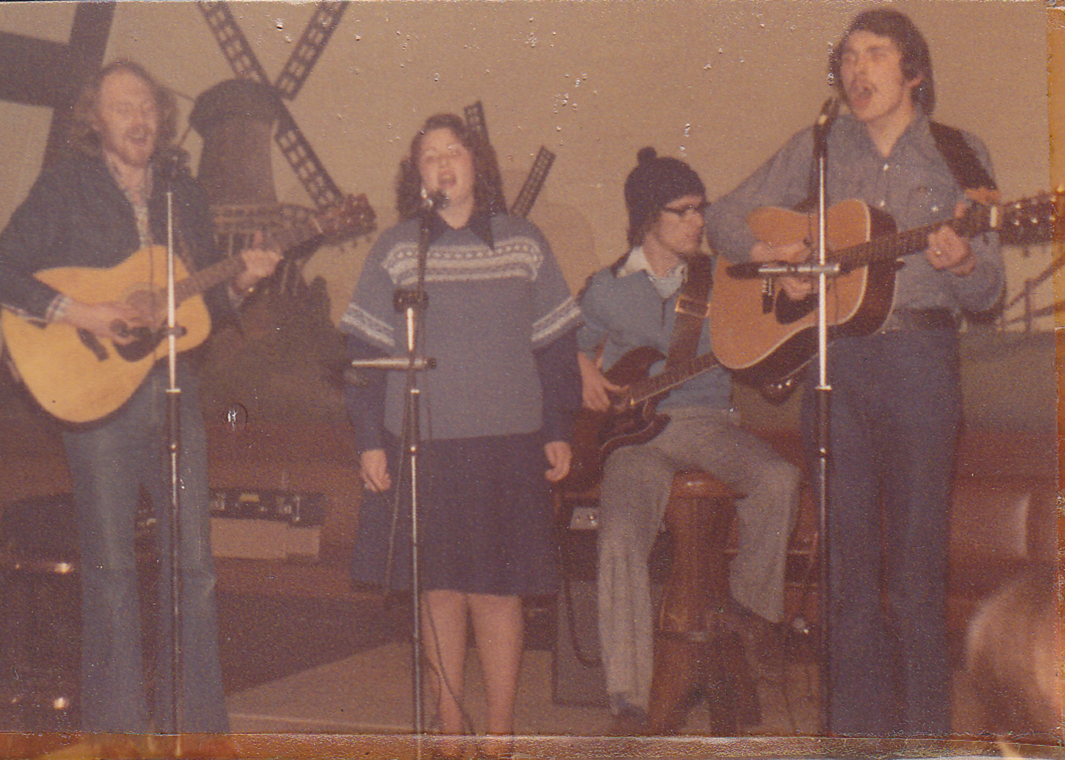 1977 Skiin' Doo at the Dutch Mill.jpg