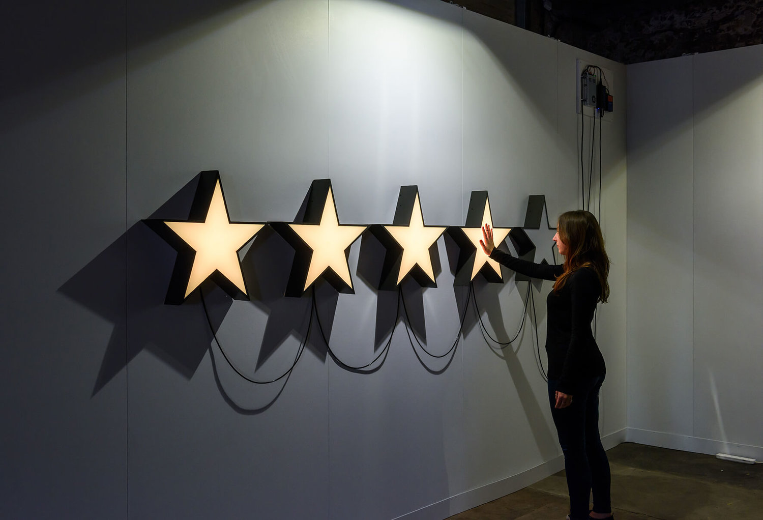 The_Constant_Need_For_Approval_James_Burke_Artist_sculpture_installation_london_lighting_interactive_acrylicize_4.jpg