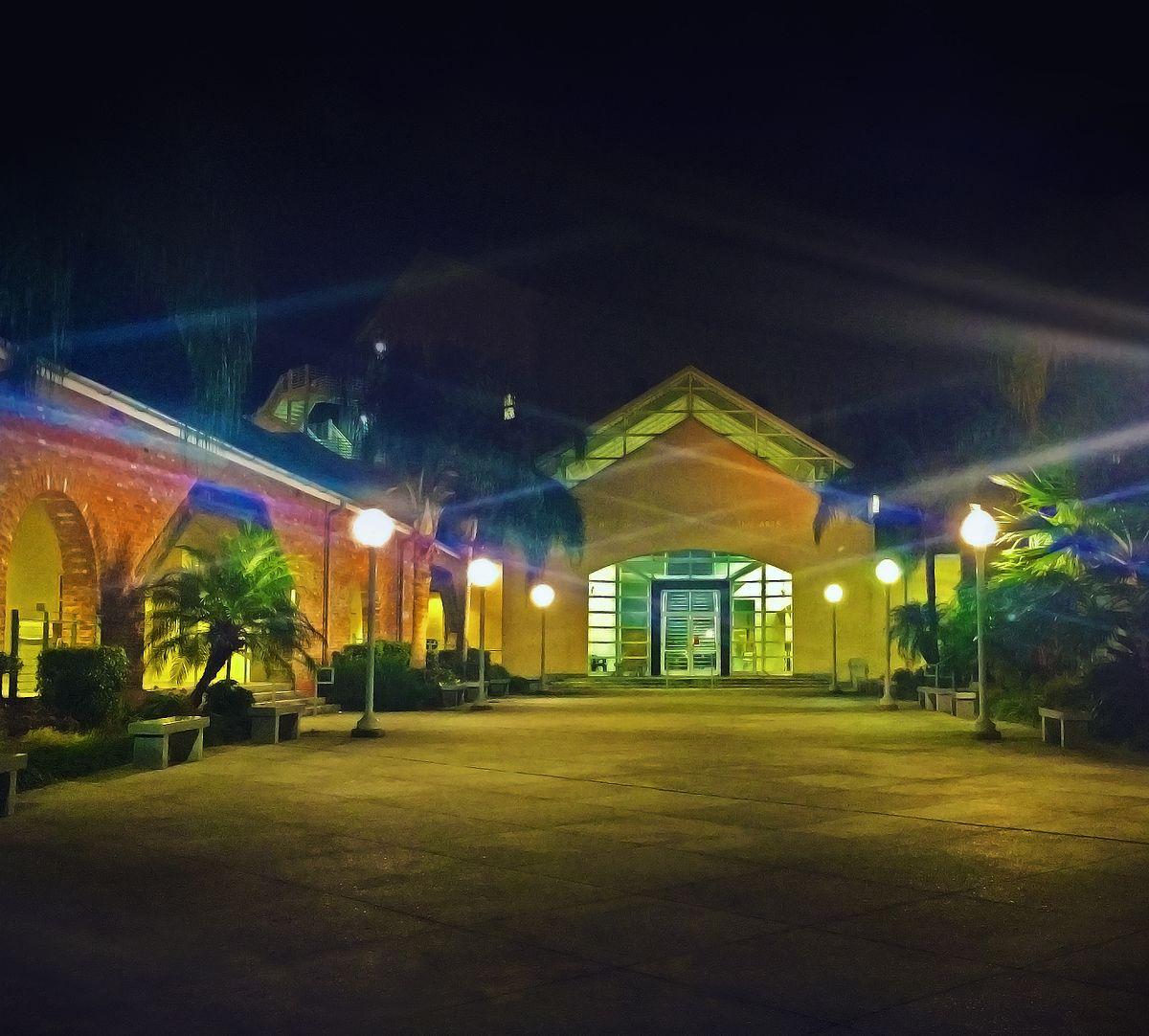 NOCCA_Campus_at_night.jpg