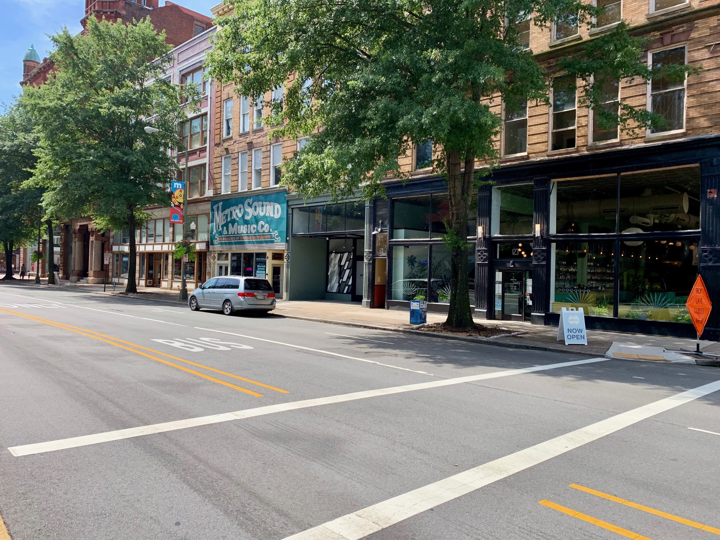 A snippet of West Broad Street. Broad Street runs through the center of the Richmond Arts District.