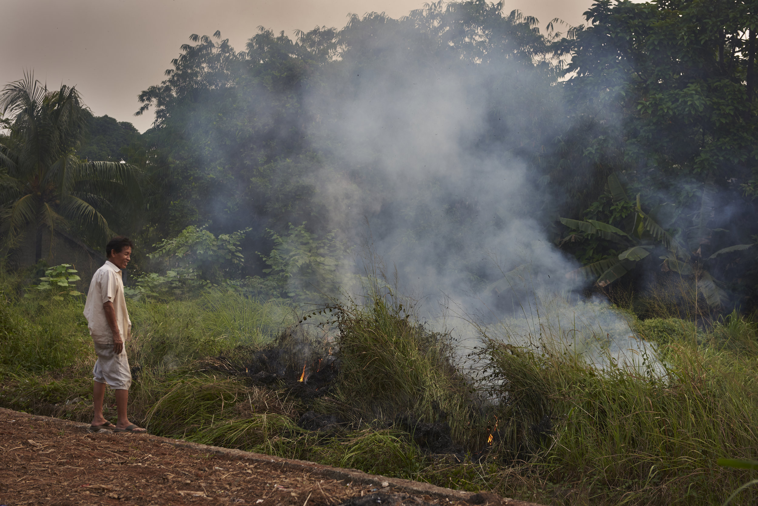 Over 90% of the world's population breathe polluted air. - Photo: UNICEF Indonesia
