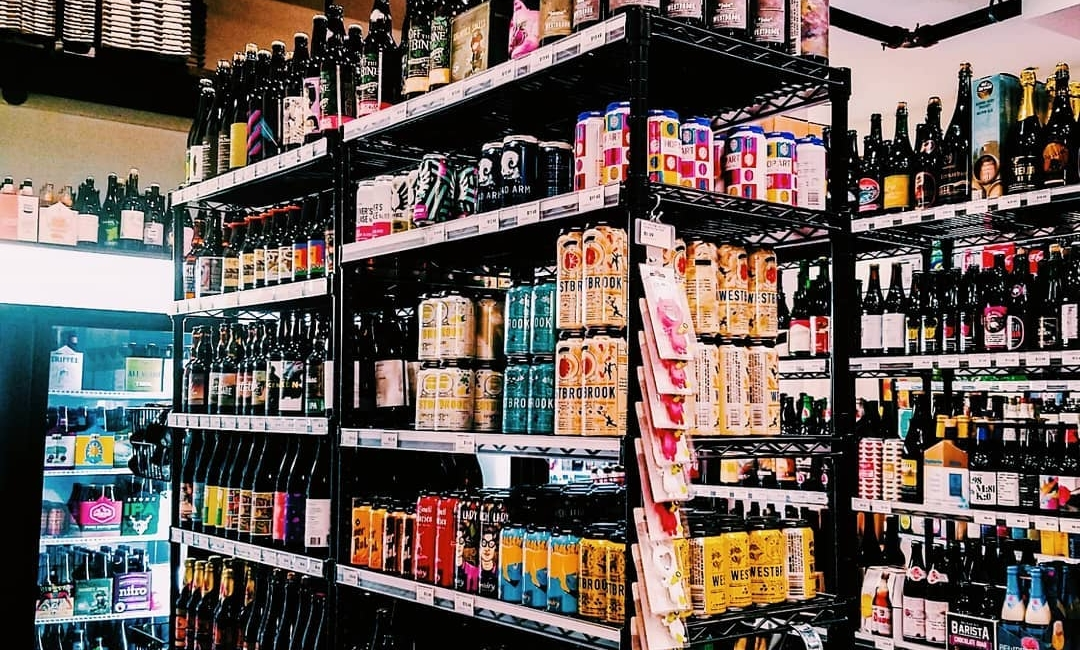 Craft BeerS - We are pleased to offer the largest selection of craft beer and kegs in the area! We love supporting other small local businesses like Southern Barrel, Hilton Head Brewing, Salt Marsh, and River Dog. Some of our other favorites include brews from Westbrook, Evil Twin, Maine Beer Co., Wicked Weed, and many more. Kegs can be delivered upon request in the Hilton Head/Bluffton area.