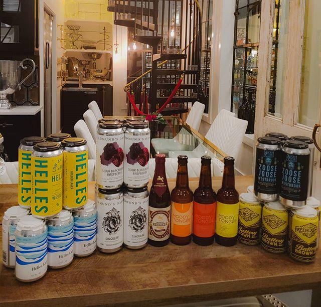 Fresh Beer Friday!  ____ #moodytongue #edmundsoast #freehousebrewery #westbrookbrewing #zoosejoose #northcoastbrewing #helleslager #organicbeer #craftbeer #smallbatchbeer #microbrewery #angrychairbrewing #beeresnob #rollerswineandspirits #freshbeer