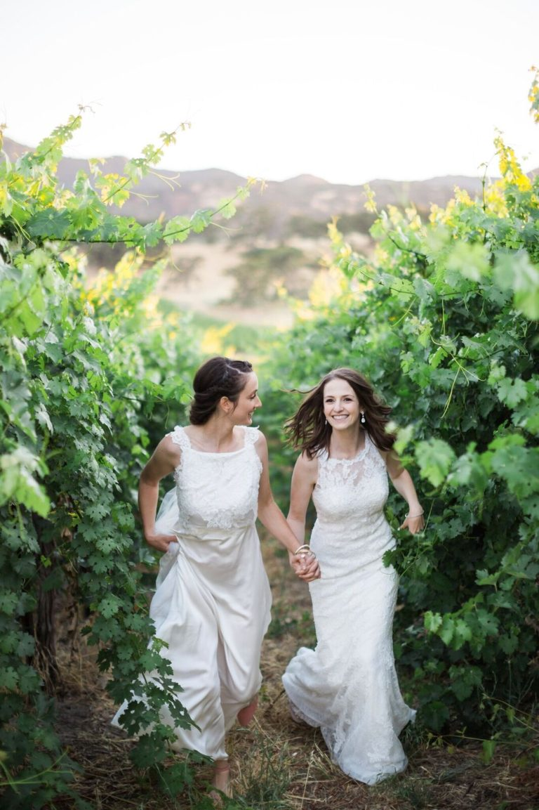 7-Central-Coast-House-of-Design-–-Yvonne-Baughman-–-Paso-Robles-LGBTQ-wedding-Central-Coast-LGBTQ-wedding-planner-Oyster-Ridge-Barn-Wedding-vinyard-wedding-photos-768x1153.jpg