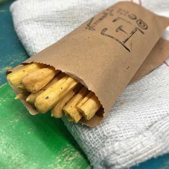 Added to our extra section. Gluten free seaweed breadsticks. Using our smoked manioc flour we love our new gluten free bread option, great with our 'Brazilian hummus'. #glutenfree #glutenfreebreadsticks #breadsticks #seaweed #seaweedbreadsticks #seaweedbread #embrkitchen #glutenfreebread #yuccasticks #yuccabread #biscoito #petiscos