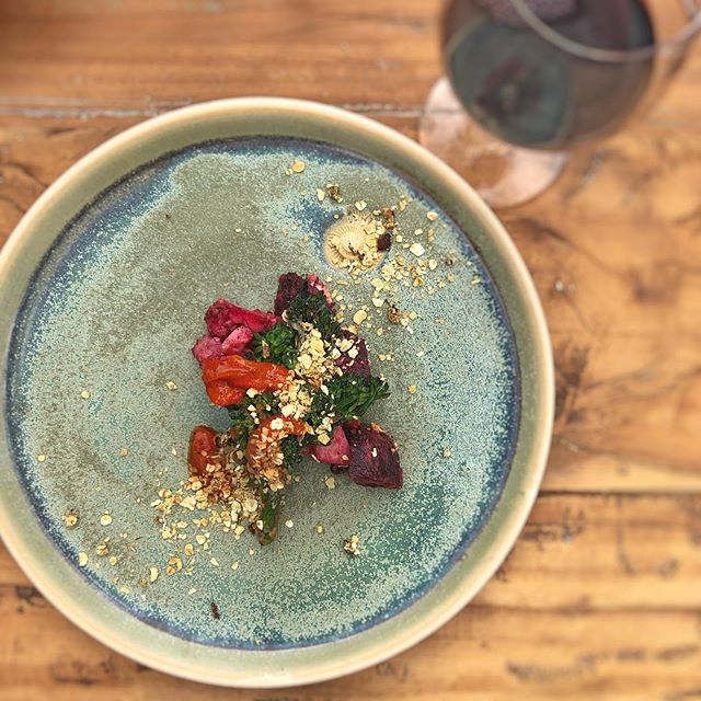 Meat free Monday! Enjoy our vegetarian and vegan options for lunch or dinner today. Here is a taster version of our 'Veg Patch' dish from our demo at Chelsea flower show. Cooked on a @kadaifirebowls in the Wilstone garden. Dirty roasting some veg in charcoal from @treewood.harvesting and grilling the tenderstem above.  @rhs_chelseaflowershow @julian_d_brown @sytchfarmstudio #meatfreemonday #embrkitchen #dirtyroastsalad #charcoalroast #tenderstembroccoli #fieldtofiretofork #chelseaflowersshow #rhschelsea