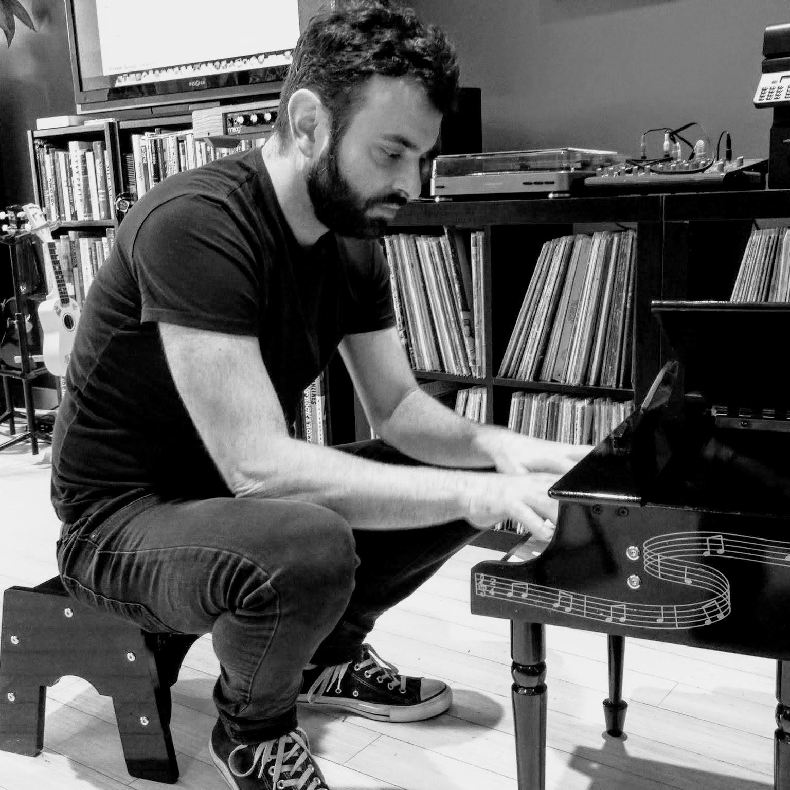 HOWARD GOLDBACH - PIANO