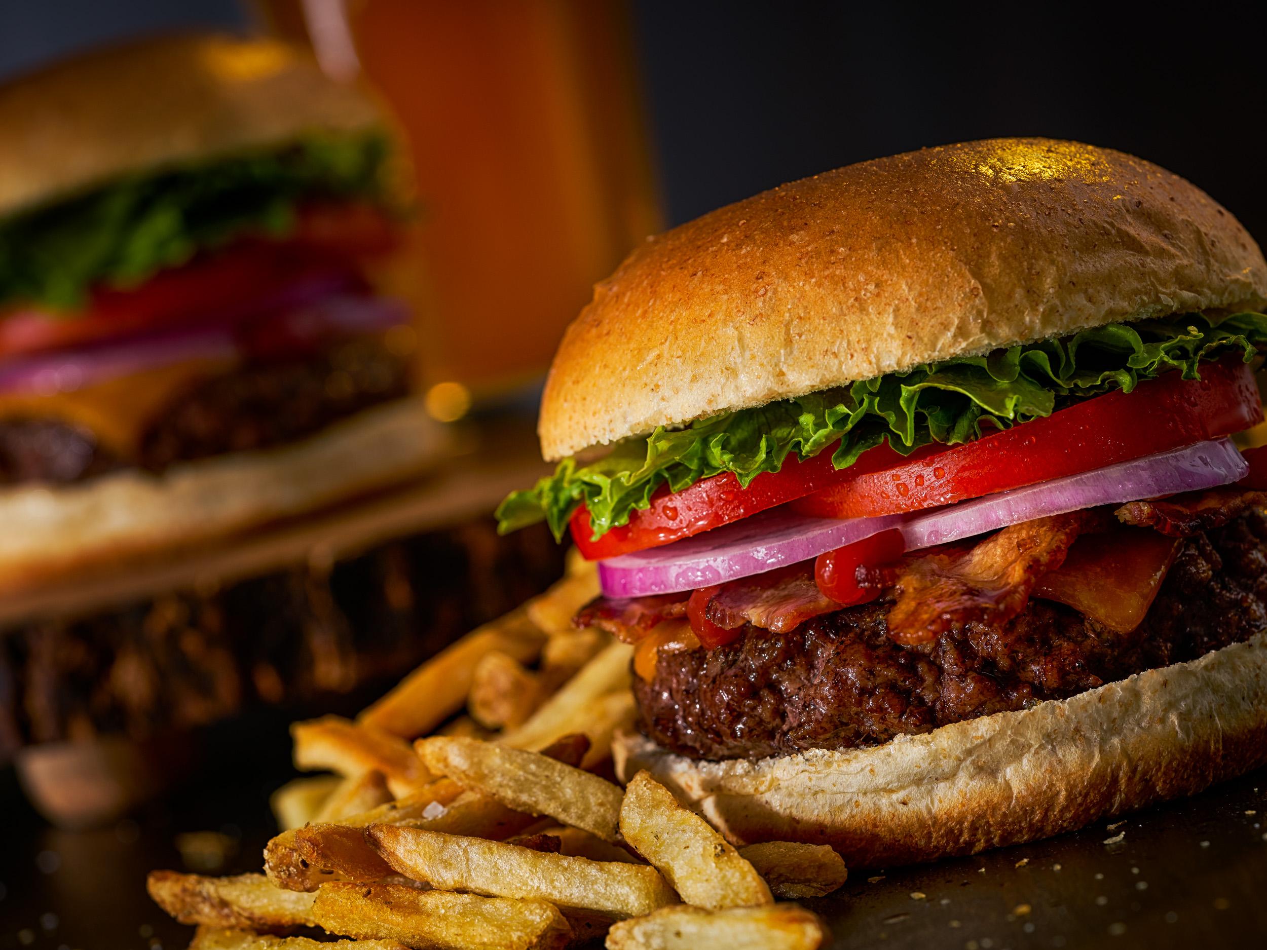 Cheeseburgers_Beer_Miami_food_photographer_Franklin_Castillo-Edit.jpg