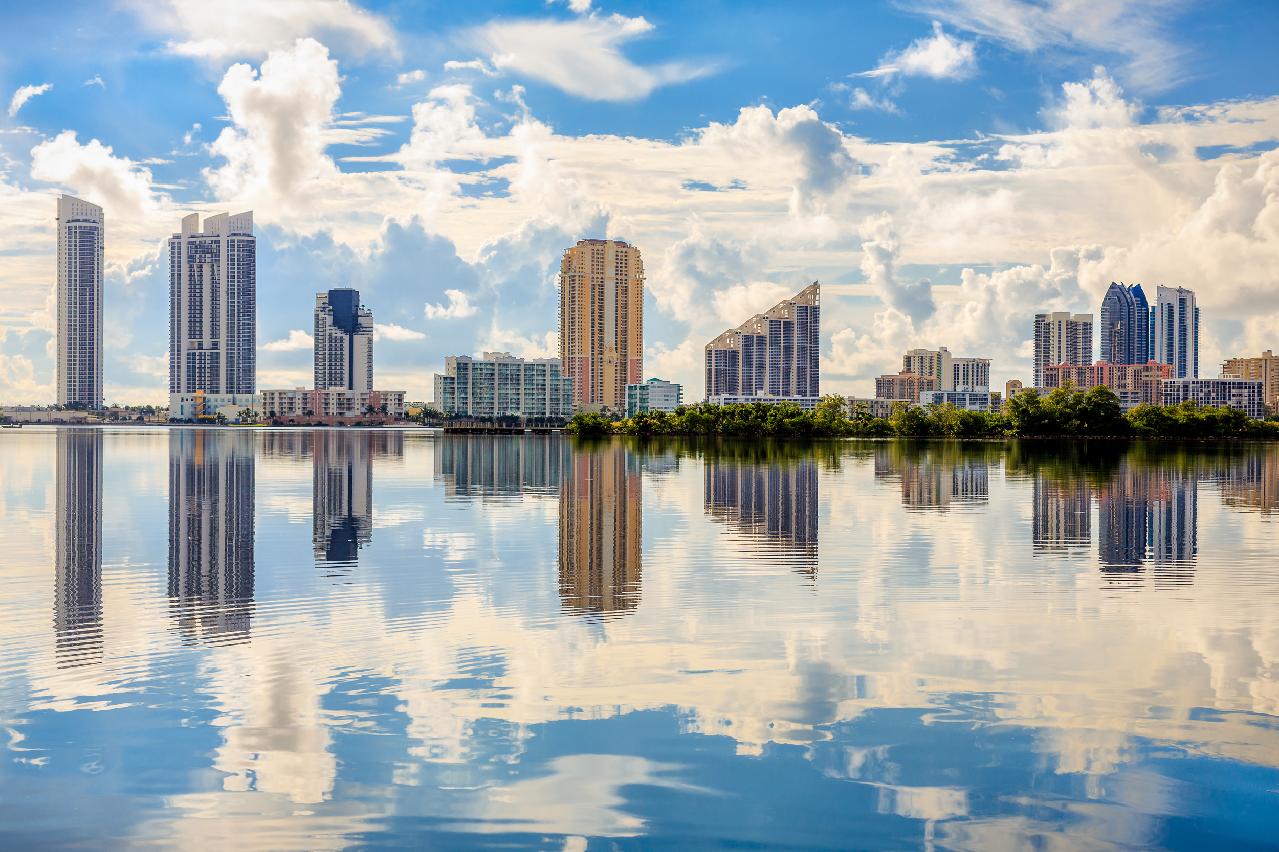 Sunny_Isles_skyline_reflection_Miami_Fort_Lauderdale_commercial_photographer_Franklin_Castillo.jpg