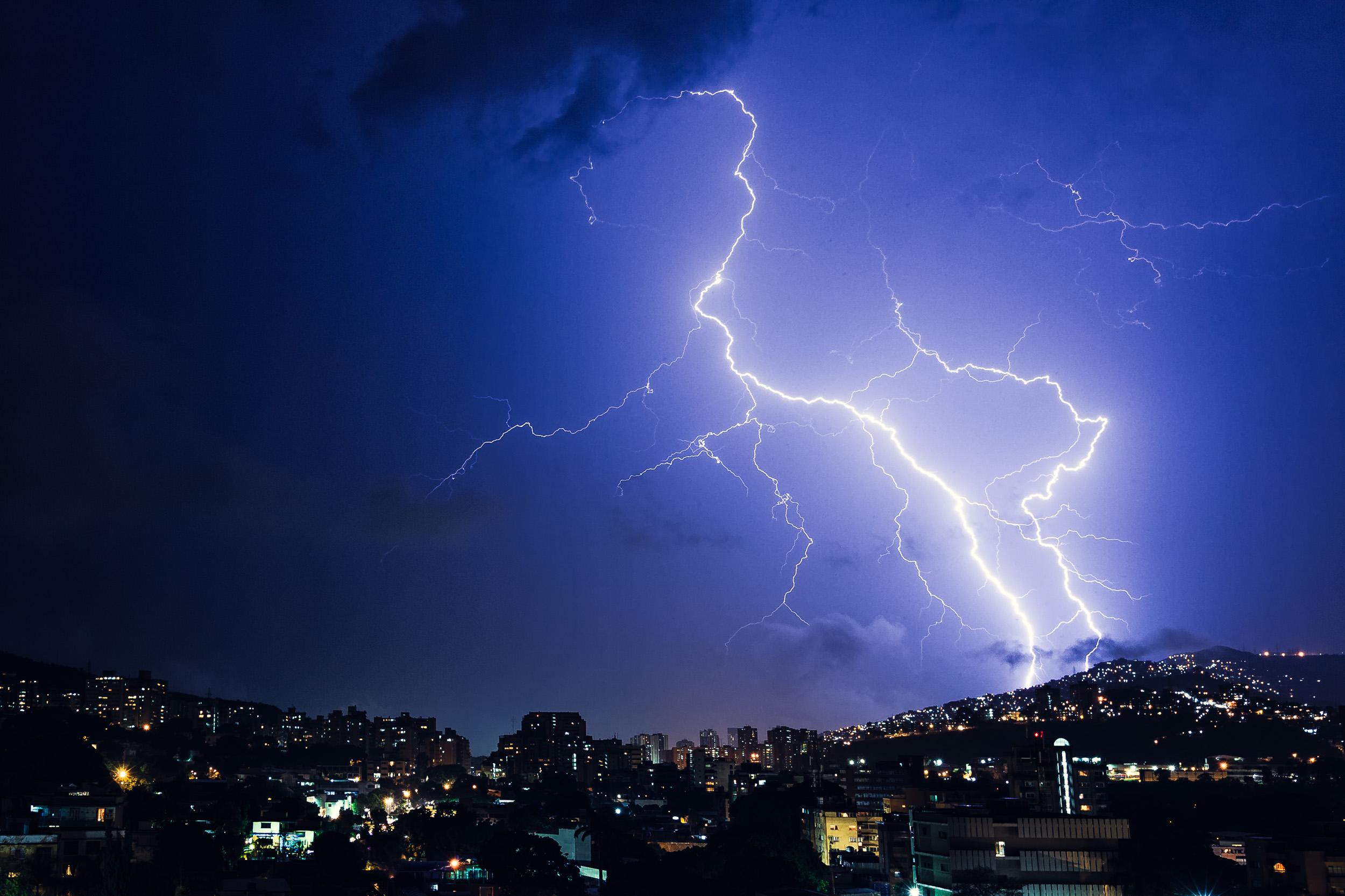 Caracas_Venezuela_lightning__Miami_Fort_Lauderdale_commercial_photographer_Franklin_Castillo.jpg