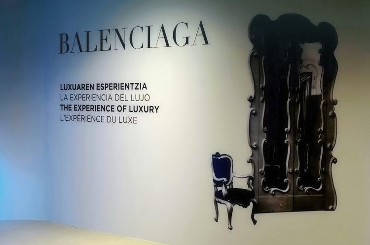 Balenciaga064_1750(1).jpg