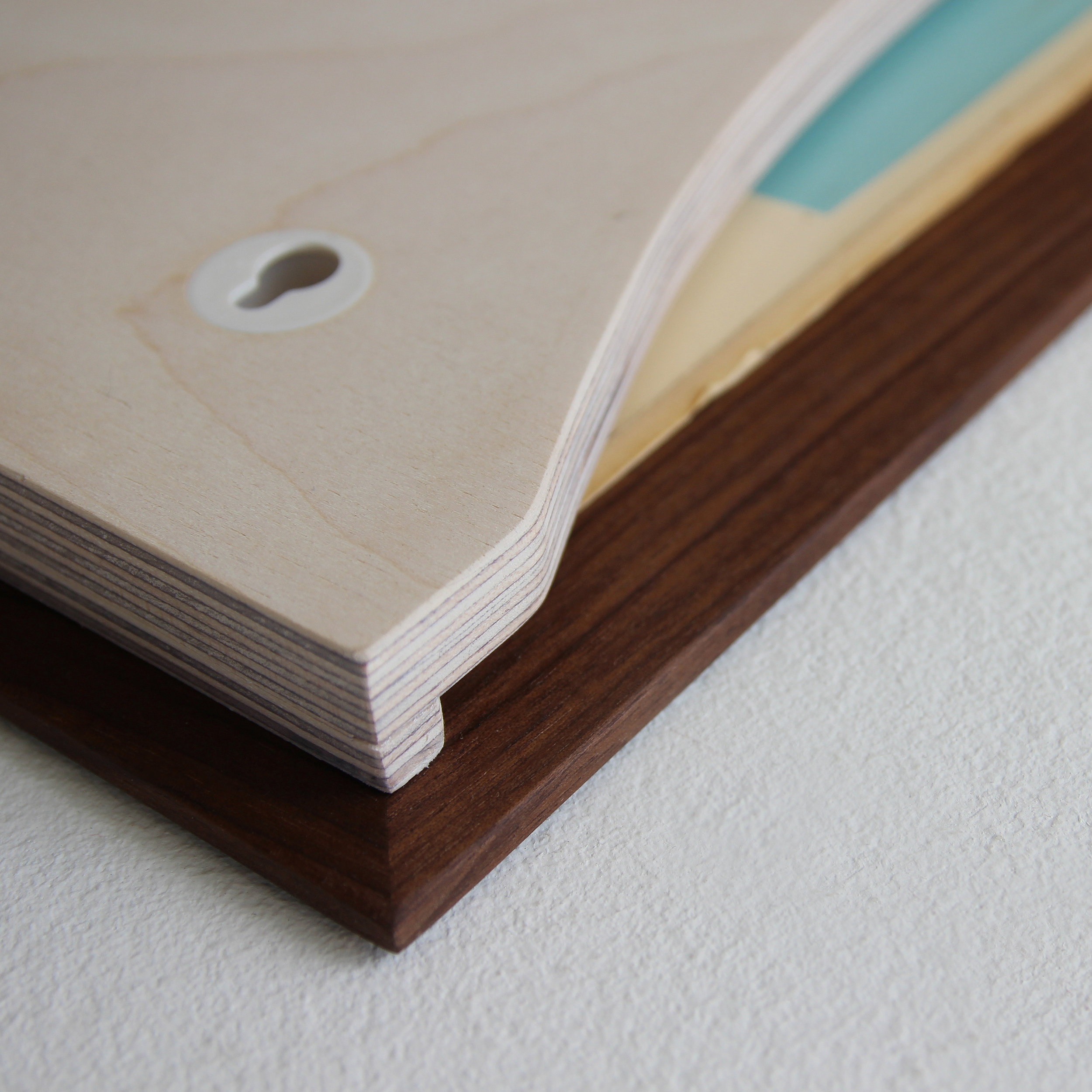 Sonntagsstaat-RecordFrameWalnut-Detail01.jpg