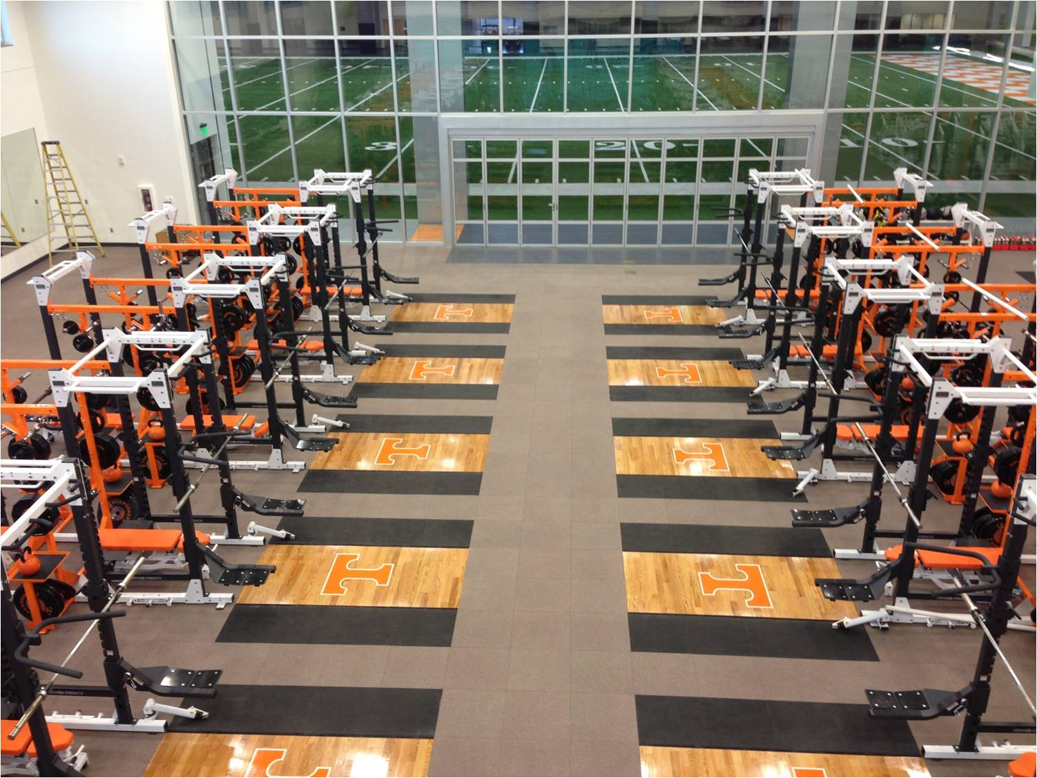 42-Weight-Room-Tennessee.jpg