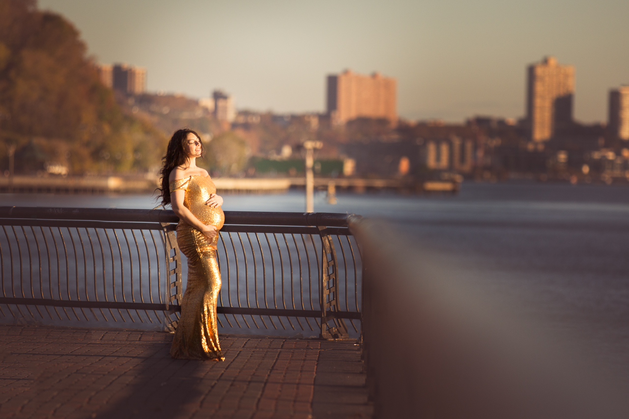 nyc maternity photoshoot hobooken skyline jersey city sunrise gold-9694.jpg