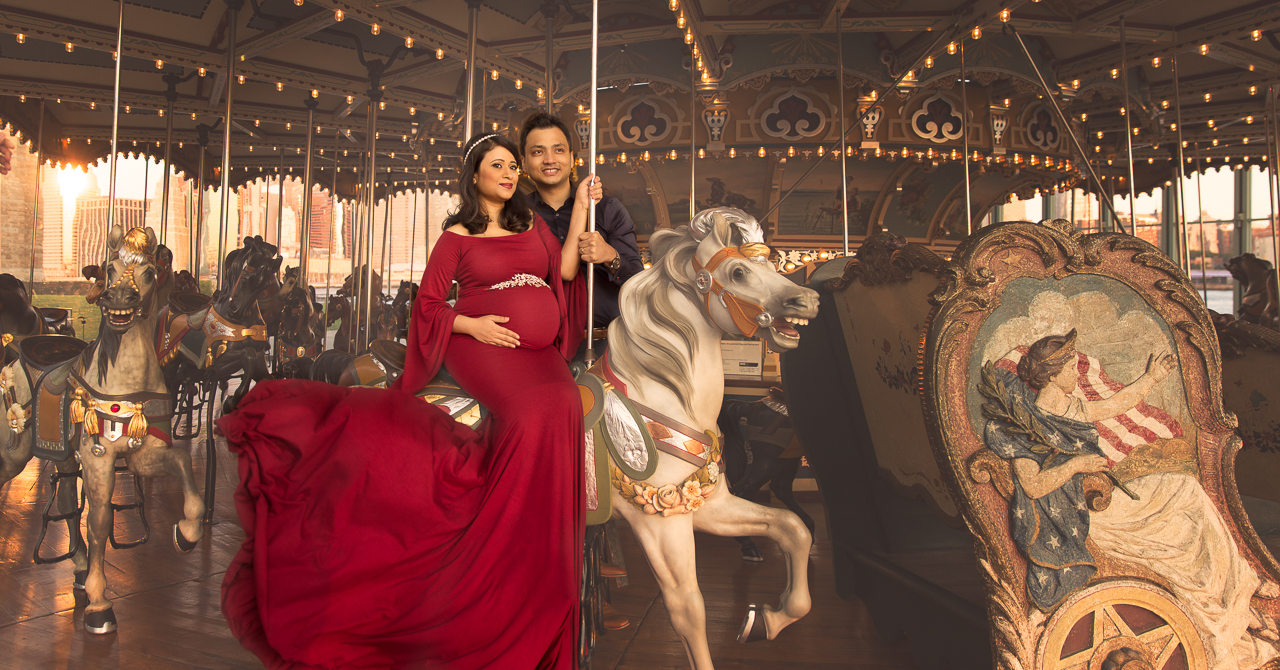 nyc maternity photoshoot janes carousel dumbo couple baby horses-5982.jpg