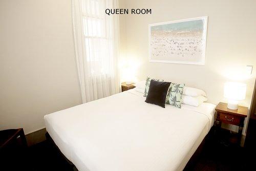 Queen+Room+2.jpg