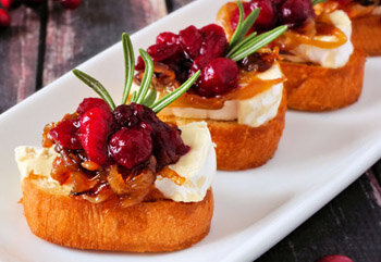 Crostini with Caramelized Onions and Cranberry Chutney