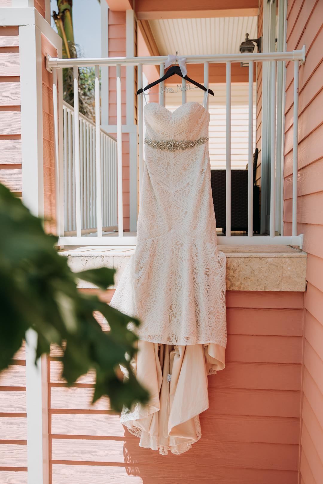 honeymoon-island-wedding-anastasia-noel-3.jpg