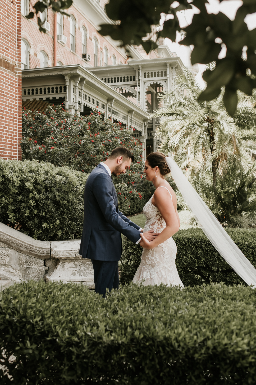 cavu-tampa-wedding-charlie-lauren-34.jpg